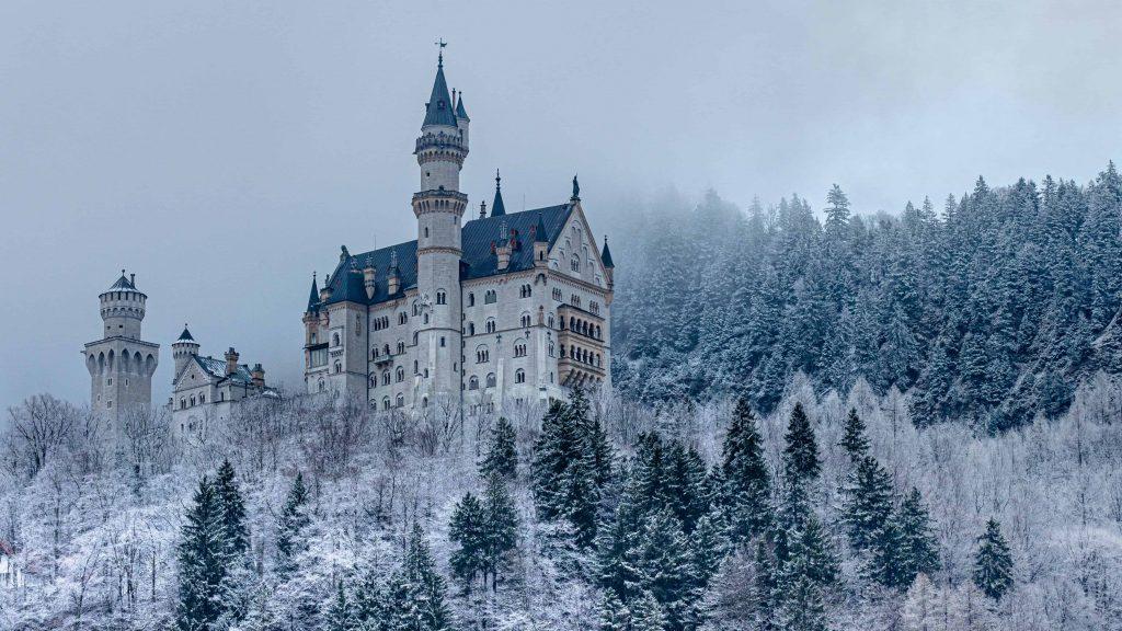 Castillo de Snoara en la nieve